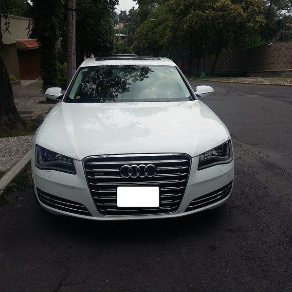 Audi A8 2013 D4 4.0 TFSI 320 KW Speed-Buster Performance